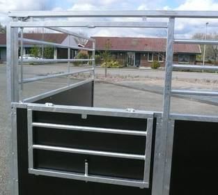 Pferdezubehör: Biete für ihren Stall günstige Boxen für Pferde ab 249,- €