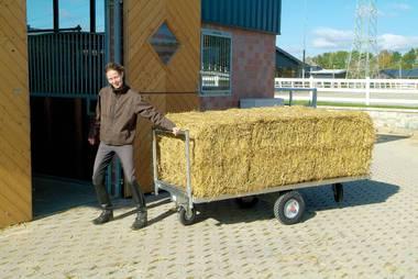 Pferdezubehör: Ballenwagen erleichtern den Transport
