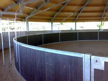 Pferdezubehör: Roundpen geschlossen Holz mobil ab 3.199,- €